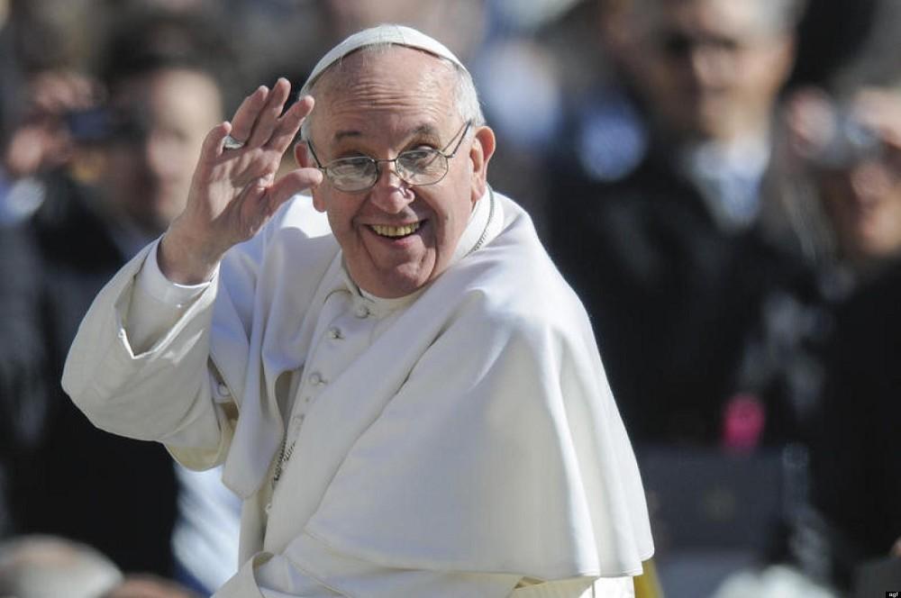 Papa Francesco su Istangram, Facebook, Twitter