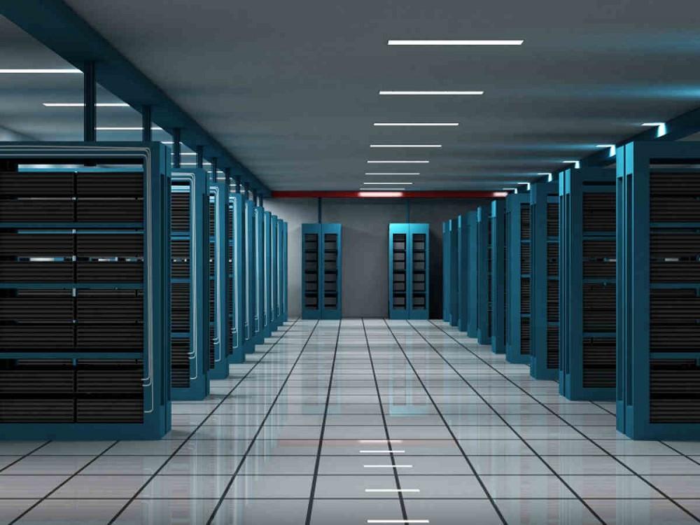 Cloud strutture hyperscale webfarm aumento consumi